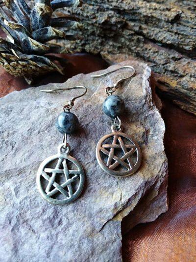 Boucles d'oreilles pentagramme et perles de Labradorite