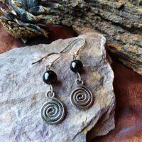 Boucles d'oreilles Spirale et Tourmaline noire Protection