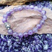 Bracelet  Améthyste perles de 8 mm et tête de Bouddha Intuition et sérénité