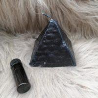 Bougie Pyramide Noir à Souhaits