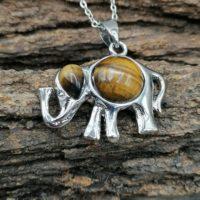 Pendentif éléphant en Oeil du tigre