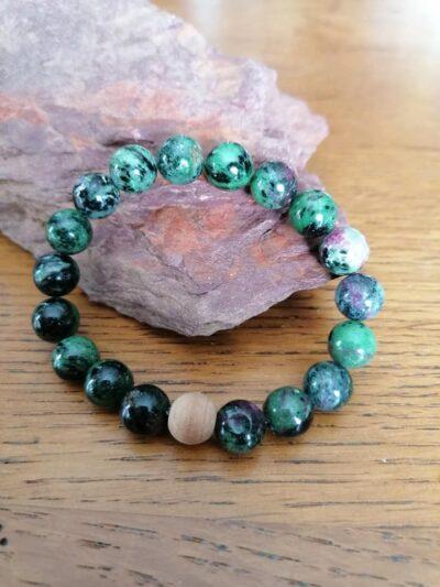 Bracelet en Rubis sur Zoïzite – 10 mm